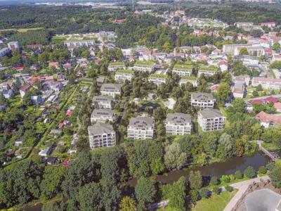 3D Visualisierung als Vogelperspektive mit Fotomontage in Drohnenbild. Wohngebietes am Nottekanal in Königs usterhausen bei Berlin